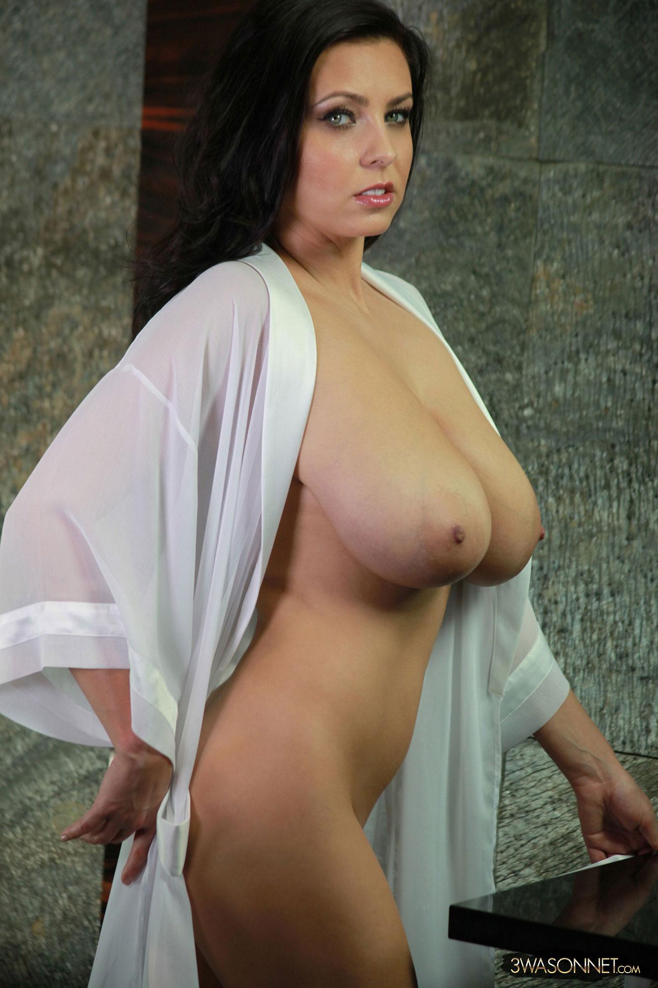 Amanda Tits 73