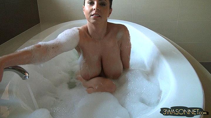 nina mercedez hot nude ass pic