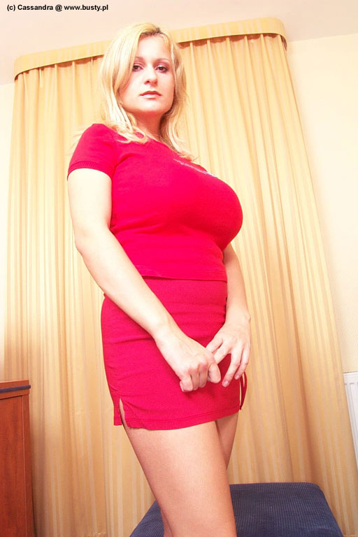 http://www.3wasonnet.com/promo/busty/amandapics/cassandra_dildo/assets/dcp0004.jpg