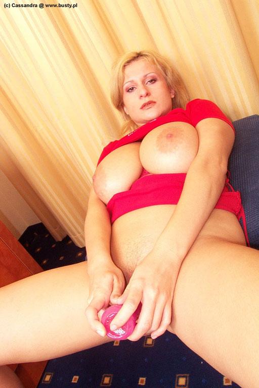 http://www.3wasonnet.com/promo/busty/amandapics/cassandra_dildo/assets/dcp0096.jpg
