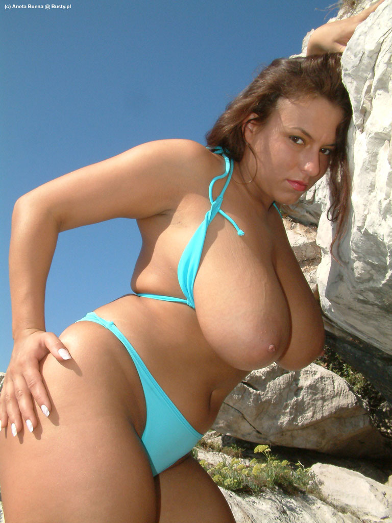 Very hot curvy mature with white toy and young guy 6